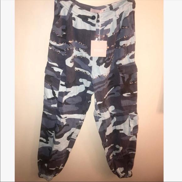 944e954ff93e71 Carli Bybel x Missguided Blue Camo Pants. M_5c13e33e2e14782929942090